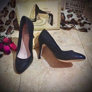 Signature Heels/Pumps Sexy😜